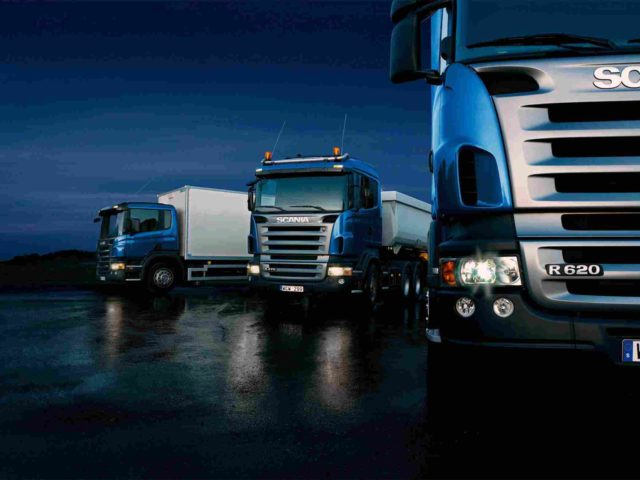 https://bhartiyalogistics.com/wp-content/uploads/2015/09/Three-trucks-on-blue-background-1-640x480.jpg